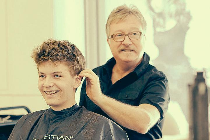 About Darryl Lewis Hairdressing